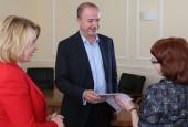 Восемь семей получили ключи от квартир в Истринском районе