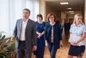 Сегодня глава округа А.Г. Вихарев проверил готовность к новому учебному году Первомайской СОШ совместно с приёмной комиссией, в состав которой вошли представители различных служб.